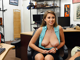 Desperate hot babe Ivy Rose exposes her big boobs and gets fucked