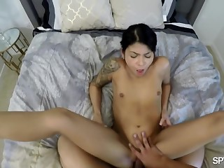 Assisting the boss with orgasm