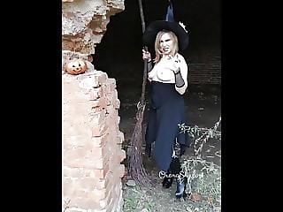 Backstage of my yestoday cosplay halloween photoshoot!