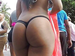 Candid big booty ebony
