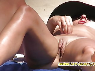 Pussy Close-Up Nudist Beach Voyeur Amateurs Females Video