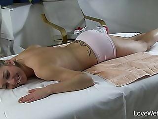 A peculiar masseur -lulu