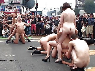 ART AND NUDE IN FOLSOM STREET