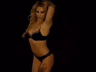 Britney Spears- Breathe On Me new musicvideo