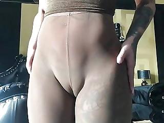 Sexy Jill German Cameltoe